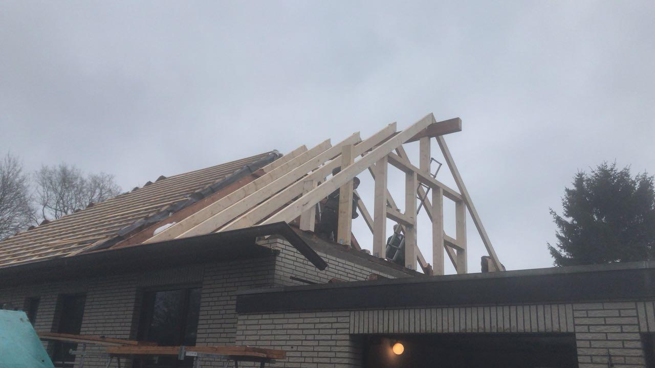 Dachdecker für Holzbau in Hamburg